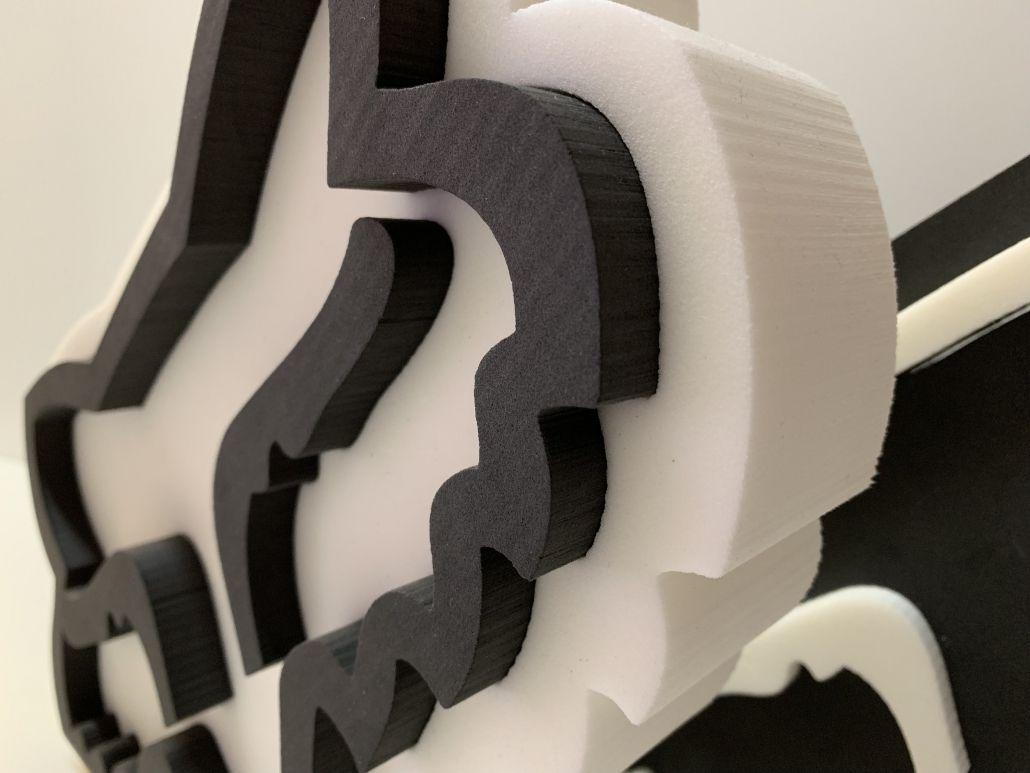 Logo 3D foam fox head lateral